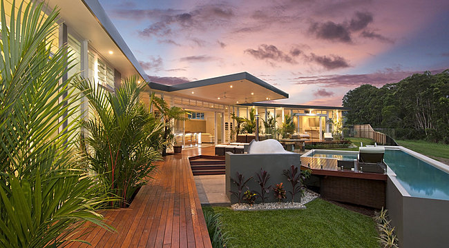 Innovative Tropical Design outdoor entertaining area with pool